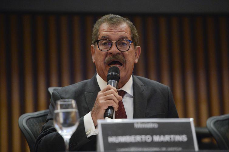 O corregedor Nacional de Justiça, ministro Humberto Martins, fala durante o seminário Transparência e Combate à Corrupção, no Museu do Amanhã, no Rio de Janeiro.
