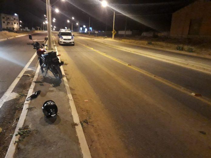 Acidente entre moto e caminhão deixou um homem ferido em Guanambi