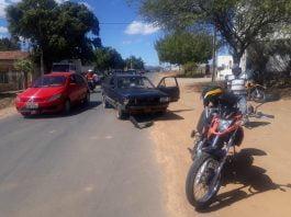 Motorista com sinais de embriaguez colidiu carro contra moto em Guanambi