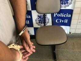 Polícia de Carinhanha cumpre mandados contra acusado de adulteração e estelionato em MG